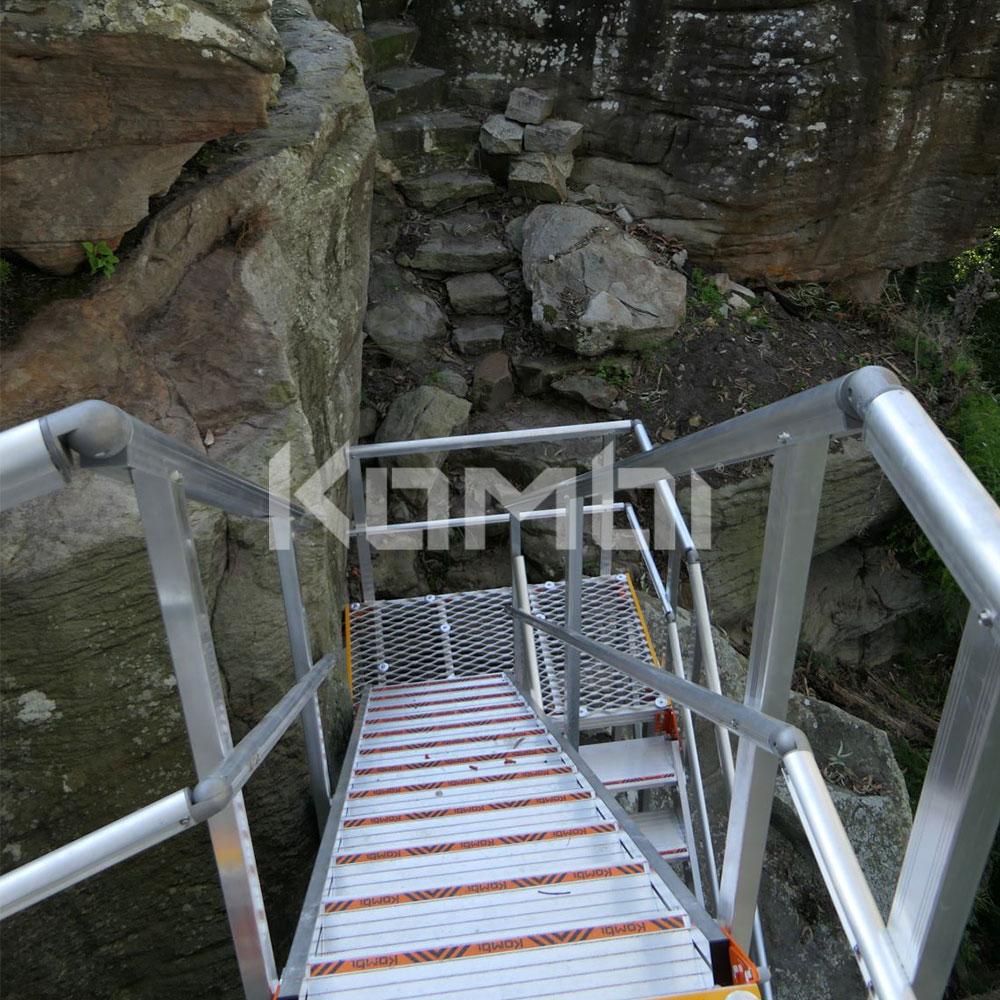 Kombi modular stair and platform systems for safe access